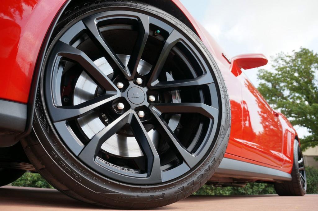 2013 Chevrolet Camaro Z71, 6.2L 580hp! 6 Speed!! ONLY 8K MILES