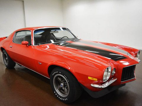 4 on the floor 1971 Chevrolet Camaro RS Z/28 for sale