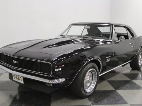 4 on the floor 1967 Chevrolet Camaro RS/SS for sale