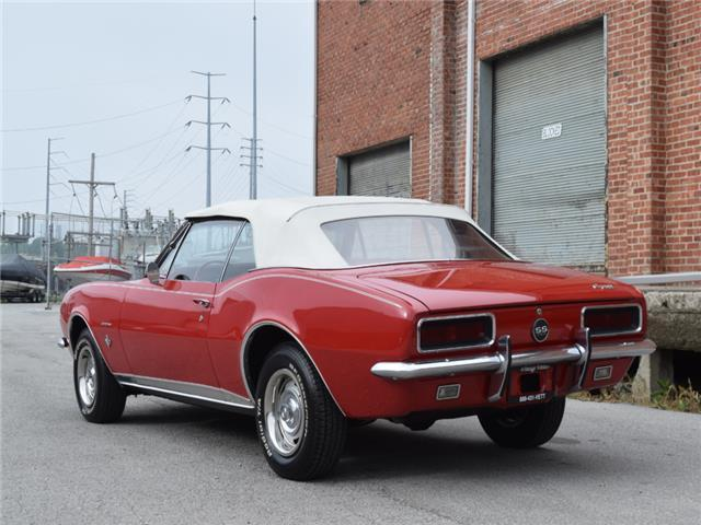 nicely detailed 1967 Chevrolet Camaro SS/RS Convertible