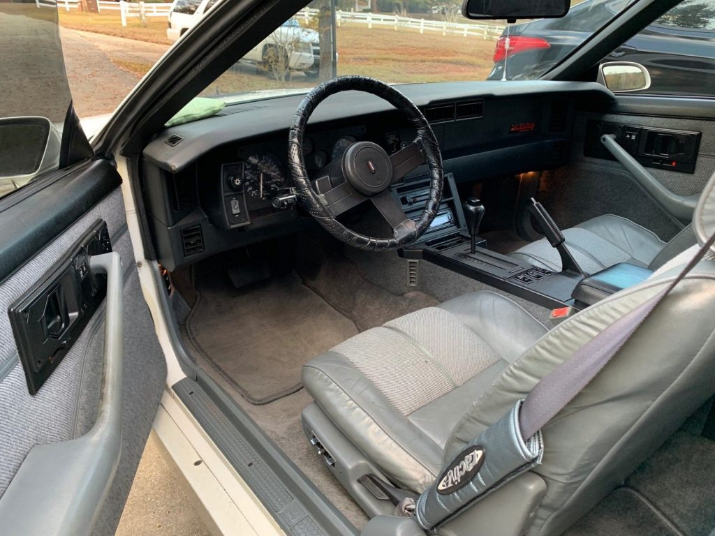 needs TLC 1989 Chevrolet Camaro IROC Z