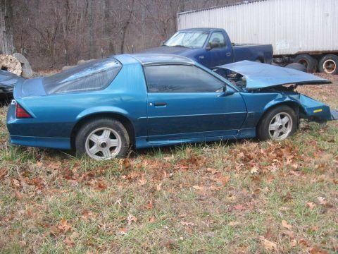damaged 1992 Chevrolet Camaro for sale