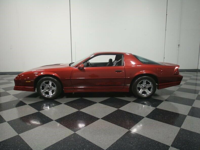 sharp 1989 Chevrolet Camaro IROC Z/28
