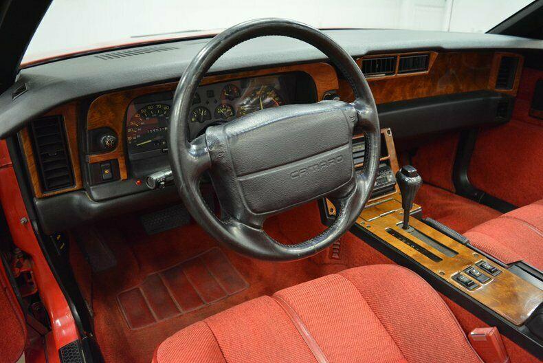 very nice 1990 Chevrolet Camaro IROC Z